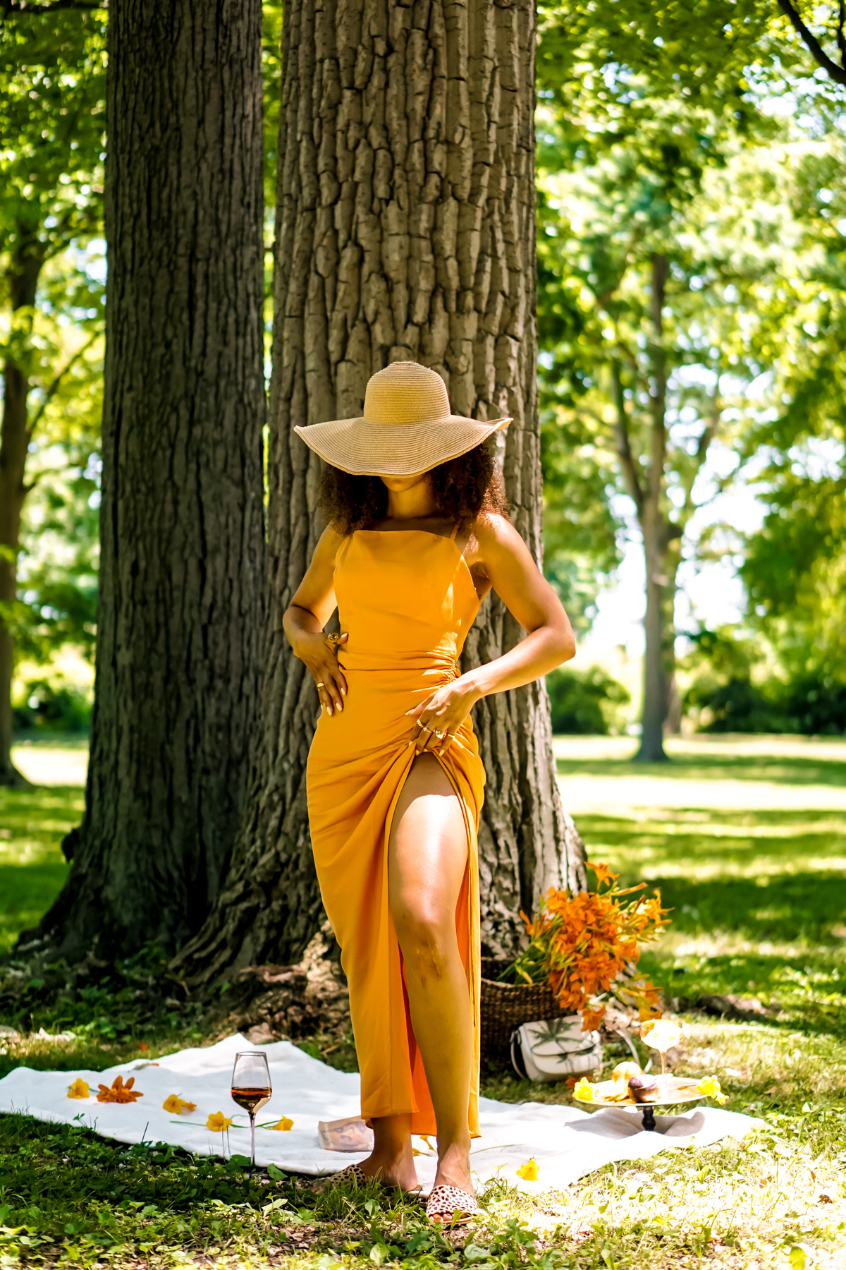 summer dresses for pear shaped women, chic summer outfit ideas for women, latest fashion trends for women what to wear, black fashion bloggers inspiration, affordable summer dresses