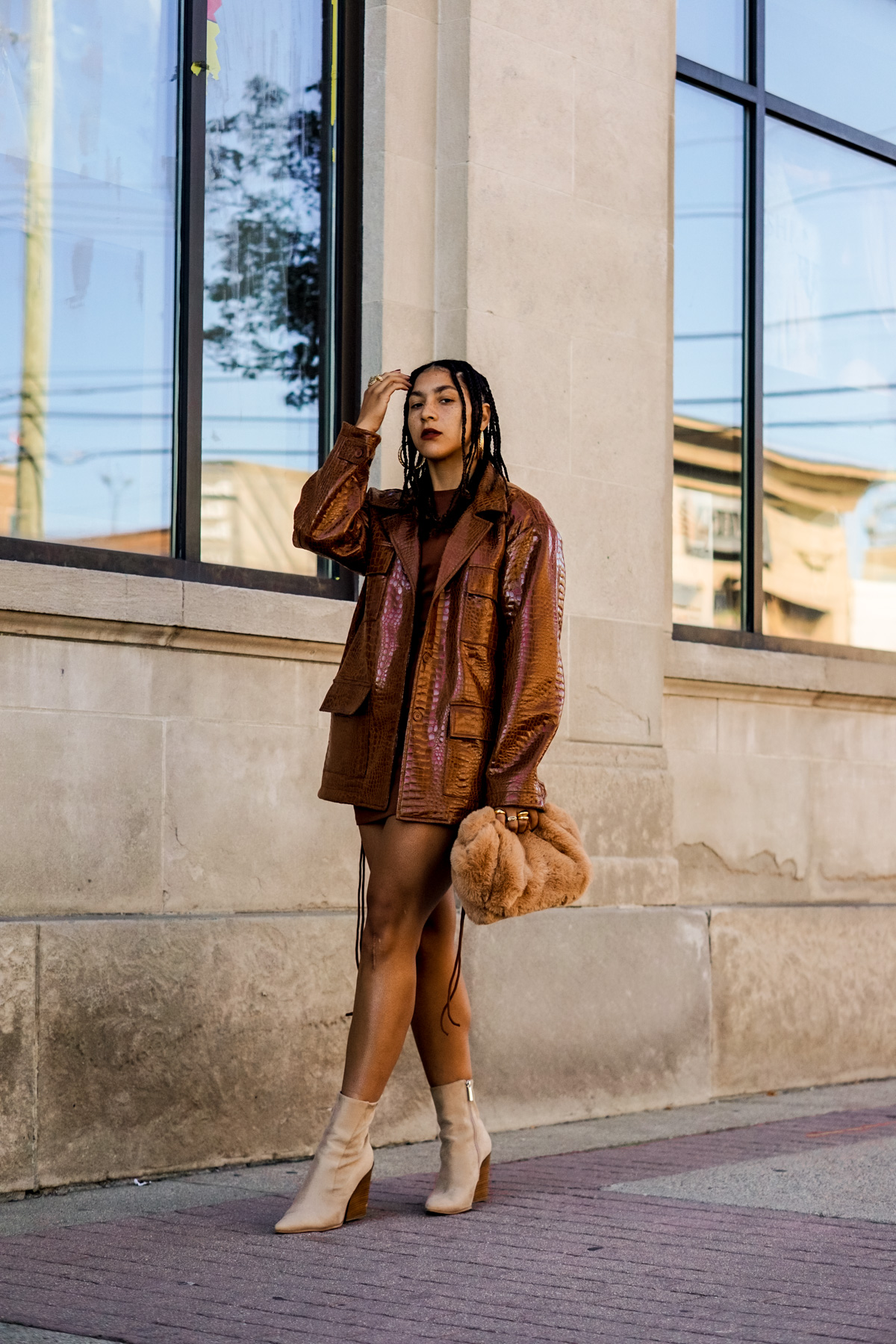 brown monochrome outfit idea for women, fall outfit ideas for women, black fashion bloggers inspiration, all brown outfit idea black girl