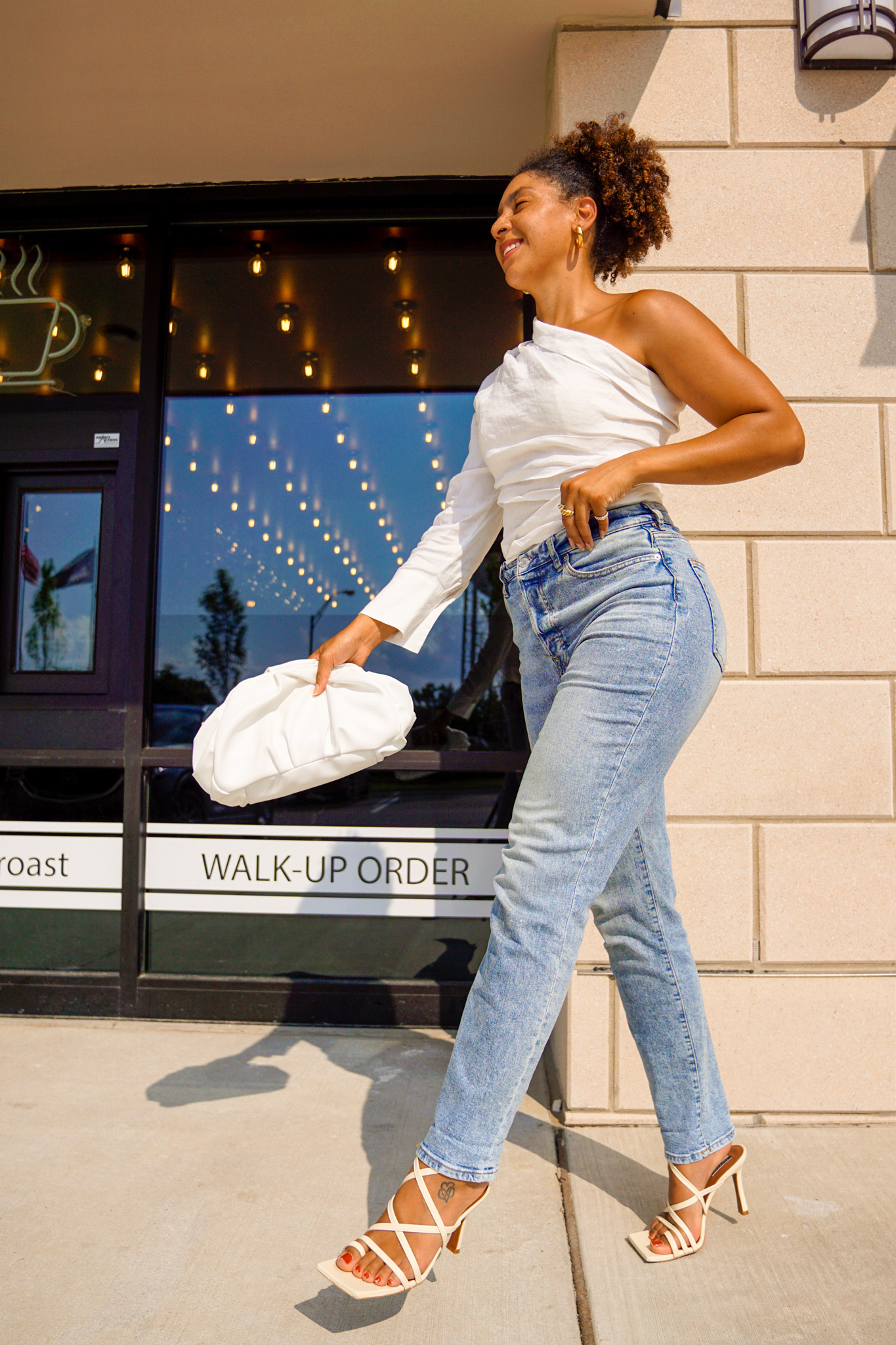 flattering straight leg jeans for pear shaped women, summer outfits women casual fashion ideas street styles, fashion blogger tips outfits, black fashion bloggers, fashion blogger style outfits, street style edgy minimal classic, style tips and tricks every girl, black fashion bloggers inspiration, summer outfits women 20s style inspiration
