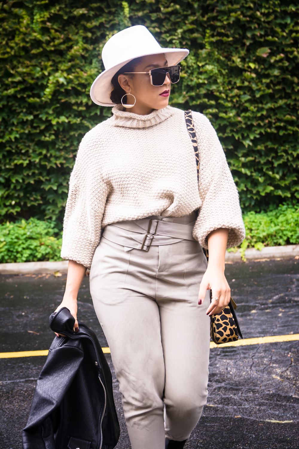 flattering over-sized sweaters for pear shaped body