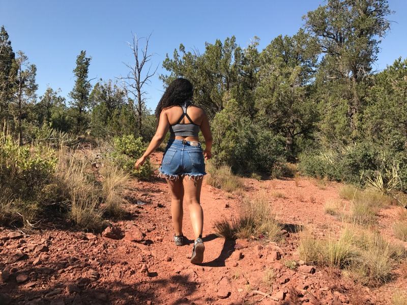 Mini Sedona Travel Guide: Hiking Outfit