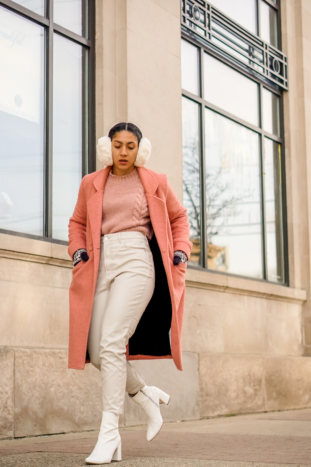 pink and white outfit black girl, spring outfits women, colorblock outfits, black fashion blogger style outfit, spring fashion