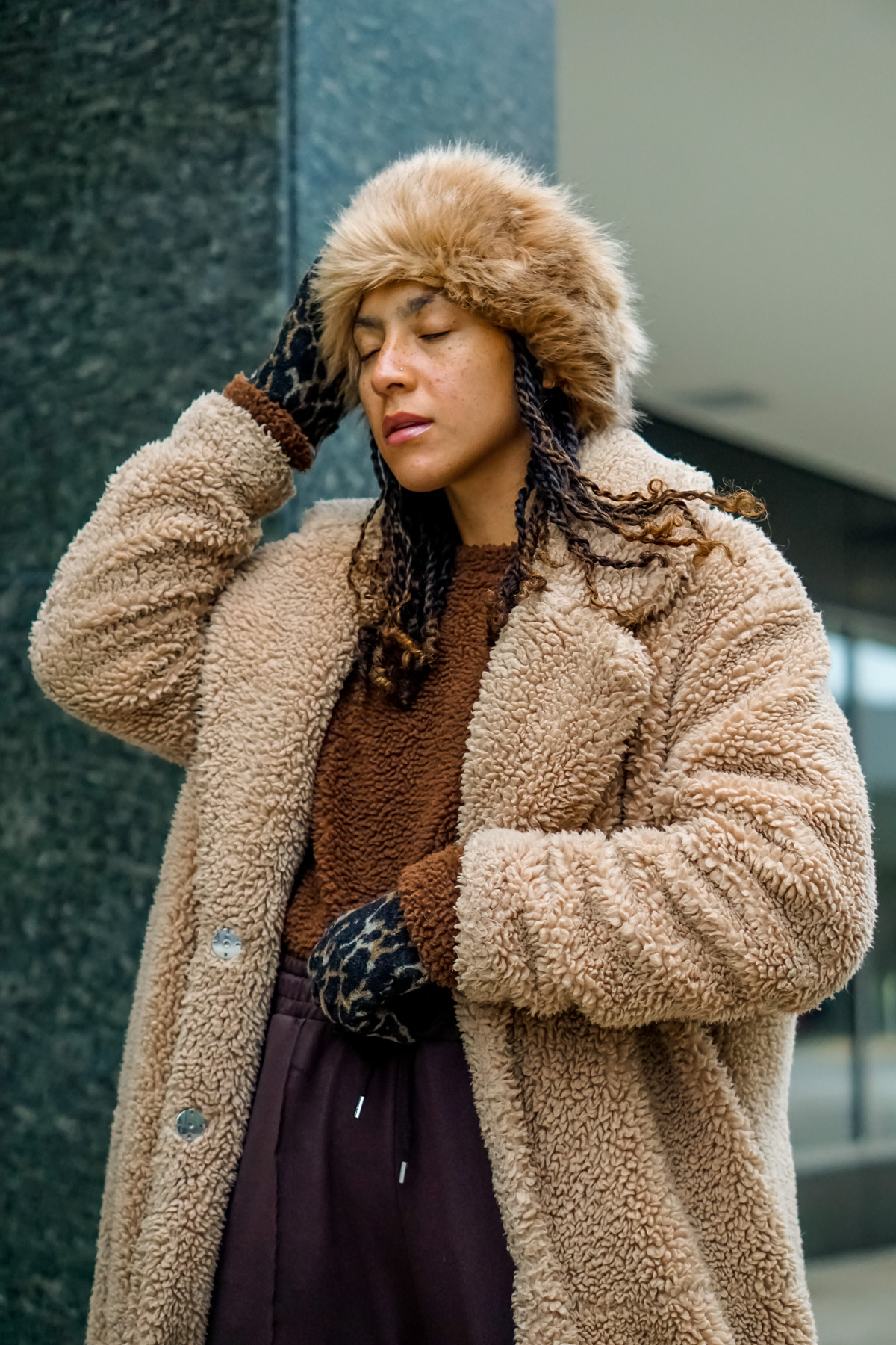 stylish winter accessories for women, chic winter outfit idea black girl, winter accessories hats, black girl fashion blogger, winter accessories gloves