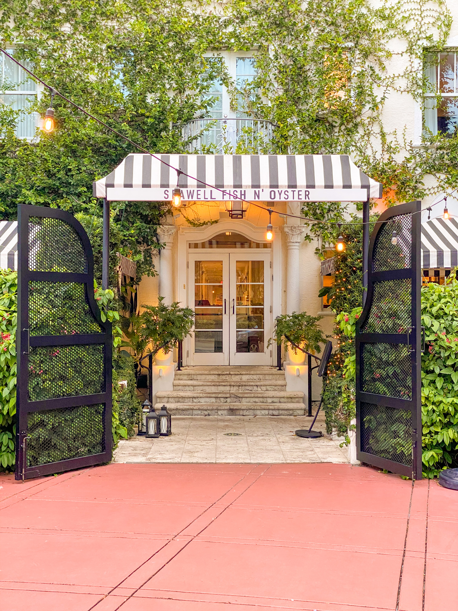 where to stay in Miami Beach, Kimpton Angler's Hotel Miami Beach, luxury hotel in Miami, black women in luxury